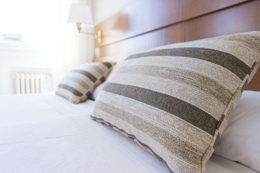 3 Ways to Make Your Bedroom Look Hotel-Like